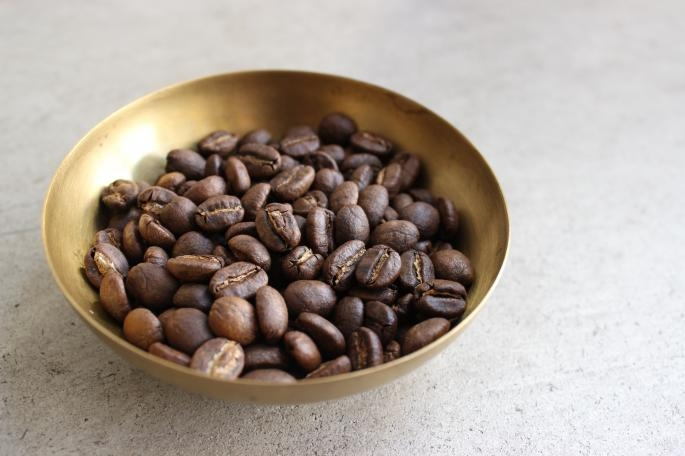 KENYA<br /> High Quality Beans<br /> EAT IN <br /> PRICE / 750 (Tax included)<br /> COFFEE BEANS <br /> PRICE / 850 (100g) 1,600 (200g) Both tax<br />