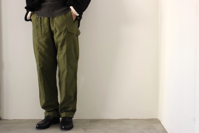 Vintage <br /> British Army 1960 Pattern Combat Trousers Dead Stock <br /> SIZE / Small/Regular<br /> Made in England<br /> PRICE / 37.000+tax