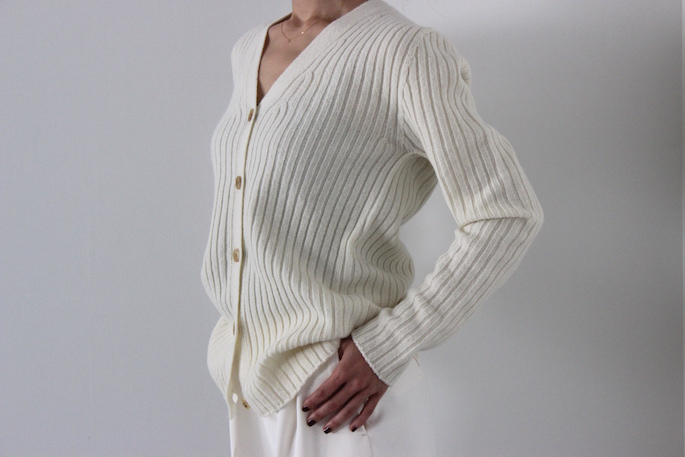 SOSO PHLANNEL<br /> Rib Knit Cardigan<br /> SIZE / 36<br /> COLOR/White,Gray<br /> PRICE / 25,000+tax <br /> <br /> Gaucho Pants<br /> SIZE / 34,36<br /> COLOR/White,Navy<br /> PRICE / 29,000+tax<br /> <br /> Made in Japan