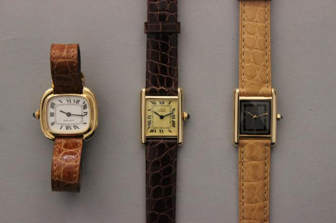CARTIER<br /> Must de Cartier 90's(left) <br /> MATERIAL / Vermeil<br /> PRICE / 168,000+tax <br /> <br /> Must de Cartier 90's(right) <br /> MATERIAL / Vermeil<br /> PRICE / 178,000+tax <br /> <br /> Made in France<br />