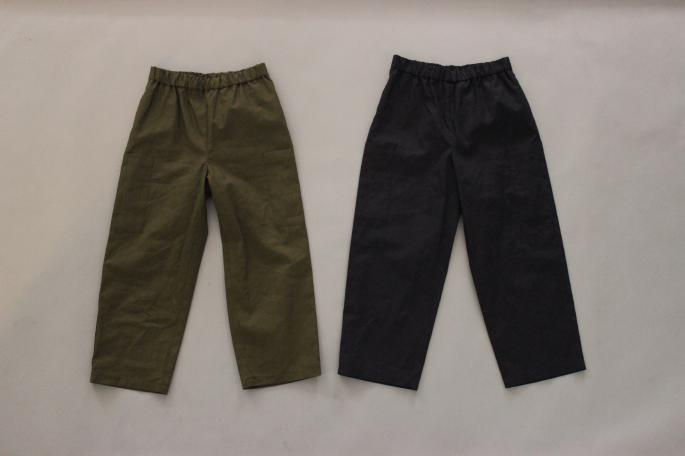 HEIGHT / 159cm<br /> WEAR SIZE / 34<br /> <br /> SOSO Phlannnel<br /> Side Pocket Easy Trousers <br /> COLOR / Navy,Khaki<br /> SIZE / 34,36<br /> Made In Japan<br /> PRICE / 21,000+tax<br /> <br /> AURALEE<br /> High Gauge Rib Knit Tee<br /> COLOR / White,Light Blue, Navy+White<br /> SIZE / 1<br /> Made In Japan<br /> PRICE / 19,000+tax<br /> <br /> MICHEL VIVIEN<br /> Bernie<br /> COLOR / Oxford<br /> SIZE / 36,36.5,37,37.5,38<br /> Made in France<br /> PRICE / 66,000+tax<br />
