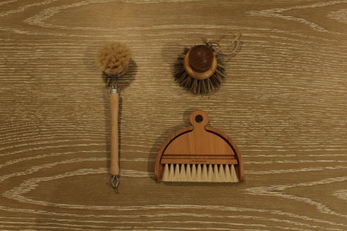 Iris Hantverk<br /> <br /> Kitchen Brush<br /> PRICE / 1,200+tax<br /> <br /> Vegetable/Pan Brush<br /> PRICE / 4,200+tax<br /> <br /> Table Brush Set<br /> PRICE / 7,600+tax<br /> <br /> Made In Sweden<br />