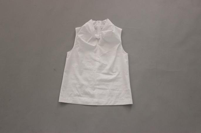 HEIGHT / 159cm<br /> WEAR SIZE / 34<br /> <br /> SOSO PHLANNEL<br /> Broad Nosleeve Shirt <br /> COLOR / White<br /> SIZE /34, 36<br /> PRICE / 19,000+tax<br /> <br /> Plannel<br /> West Point Wide Trousers<br /> COLOR / White<br /> SIZE /0, 1<br /> PRICE / 19,000+tax<br /> Made In Japan<br /> <br /> Paraboot<br /> IBERIS <br /> COLOR / White,Navy<br /> SIZE / 3.5,4,4.5,5<br /> Made In France<br /> PRICE / 35,000+tax