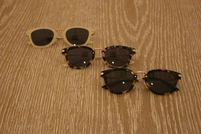 ayame<br /> ATMOS<br /> COLOR / Black<br /> SIZE / Free<br /> Made In Japan<br /> PRICE / 30,000+tax