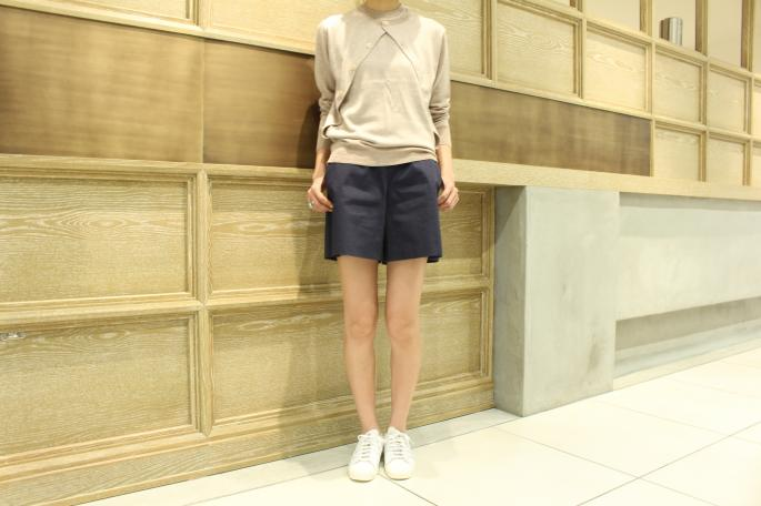 HEIGHT / 165cm<br /> WEAR SIZE / 36<br /> <br /> Scye <br /> S/C plating layered cardigan <br /> COLOR / Dark Navy,Oatmeal<br /> SIZE / 36,38<br /> Made in japan<br /> PRICE / 37,000+tax<br /> <br /> SOSO PHLANNEL<br /> High Density Grosgrain Over Coat <br /> COLOR / Navy<br /> SIZE / 34,36<br /> Made in japan<br /> PRICE / 21,000+tax<br /> <br /> adidas <br /> SUPERSTAR 80's DLX <br /> COLOR / White<br /> SIZE / 23,23.5,24,24.5,25<br /> PRICE / 16,000+tax