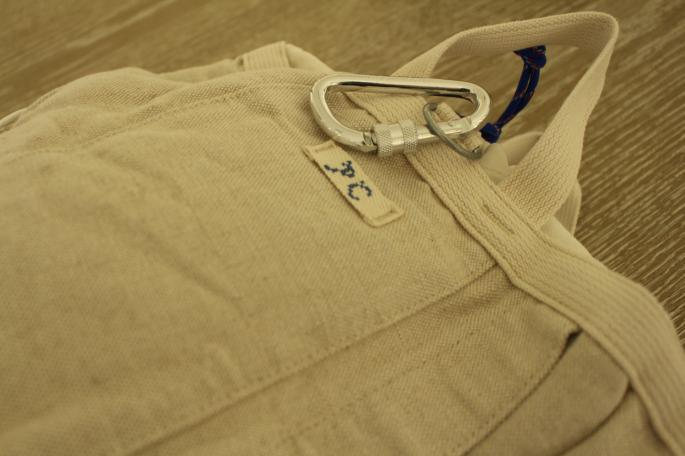 PORTER CLASSIC<br /> Hard Linen Ruck Sack<br /> COLOR / Blue,White<br /> SIZE / Free<br /> Made in Japan<br /> PRICE / 46,000+tax