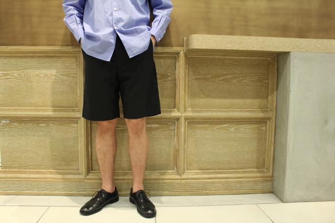 HIGHT / 175㎝<br /> WEAR SIZE / M<br /> <br /> Phlannel<br /> Super Fine Tropical Short Trousers<br /> COLOR / Navy,Grey<br /> SIZE / S,M,L<br /> Made In Japan<br /> PRICE / 20,000+tax<br /> <br /> COMOLI<br /> COMOLI Shirt  <br /> COLOR / White,Sax,Navy<br /> SIZE / 1,2<br /> Made In Japan<br /> PRICE / 22,000+tax