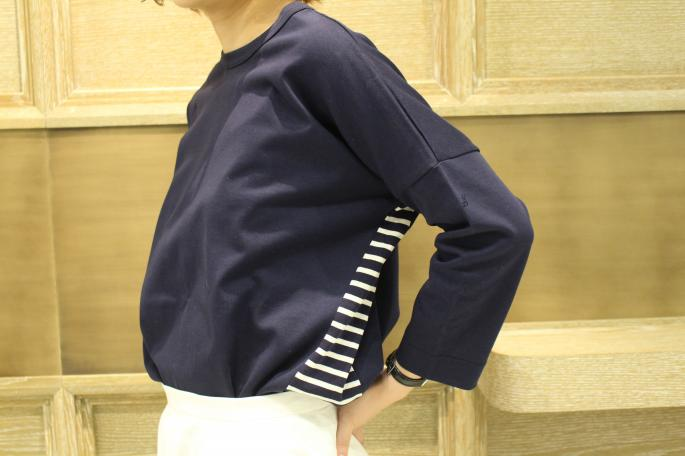 HEIGHT / 160cm<br /> WEAR SIZE / 36<br /> <br /> SOSO PHLANNEL<br /> Return Cut Border Tee Shirt<br /> COLOR / White,Navy<br /> SIZE / 36<br /> PRICE / 11,000+tax<br /> <br /> Phlannel<br /> End On End Flare Skirt<br /> COLOR / White,Sax<br /> SIZE / 0,1<br /> PRICE / 23,000+tax<br /> <br /> Made In Japan