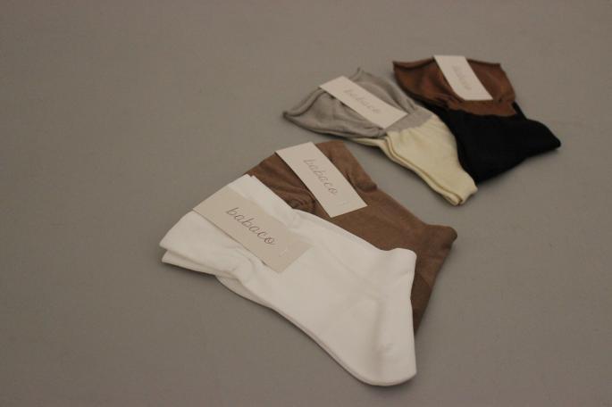 babaco<br /> Fine Silk Frill Socks<br /> COLOR / Black,Ivory<br /> SIZE / Free<br /> Made In Japan<br /> PRICE / 3,200+tax<br /> <br /> SANDERS<br /> Famile Royal Navy<br /> COLOR / Black<br /> SIZE / 4,4.5,5,5.5<br /> Made in England<br /> PRICE / 48,000+tax
