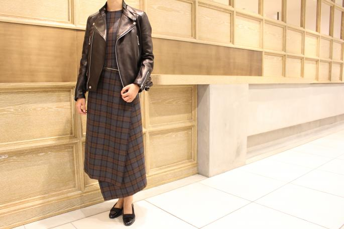 HEIGHT / 166cm<br /> WEAR SIZE / 36<br /> <br /> Scye<br /> Wool Tartan Check Wrap Dress <br /> COLOR / Brown<br /> SIZE / 36,38<br /> Made In Japan<br /> PRICE / 72,000+tax<br /> <br /> Tricker's<br /> Hilton<br /> COLOR / Black<br /> SIZE / 4,5,6<br /> Made In England<br /> PRICE / 39,000+tax