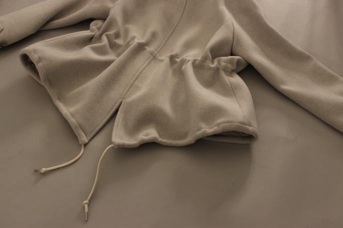HIGHT / 159cm<br /> WEAR SIZE / 34<br /> <br /> SOSO PHLANNEL <br /> Melton Hood Coat<br /> COLOR / Gray,Beige<br /> SIZE / 34,36<br /> Made In Japan<br /> PRICE / 72,000+tax
