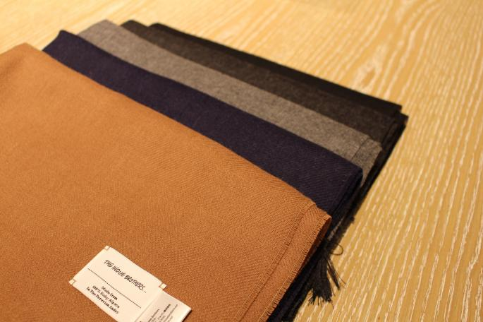 THE INOUE BROTHERS<br /> Woven Stole<br /> COLOR / Black,Navy,Charcoal,Mid Grey,Camel<br /> SIZE / F<br /> PRICE / 16,000+tax<br /> <br /> Crew Neck Pullover<br /> COLOR / Black,Blue<br /> SIZE / M,L<br /> PRICE / 46,000+tax