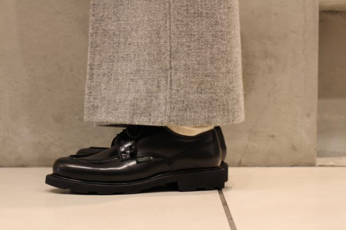 Paraboot<br /> Chambord<br /> COLOR / Gloss-Noir<br /> SIZE / 3,3.5,4,4.5<br /> Made In France<br /> PRICE / 63,000+tax