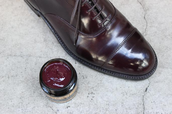 THE CREAM <br /> COLOR / Burgundy(Left),Navy(Center),Tobacco brown(Right)<br /> PRICE / 3,000+tax<br />