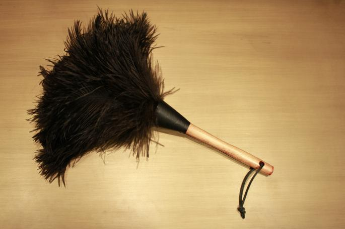 Redecker<br /> Ostrich Plumes Duster<br /> Made In Germany<br /> PRICE / 3,400+tax