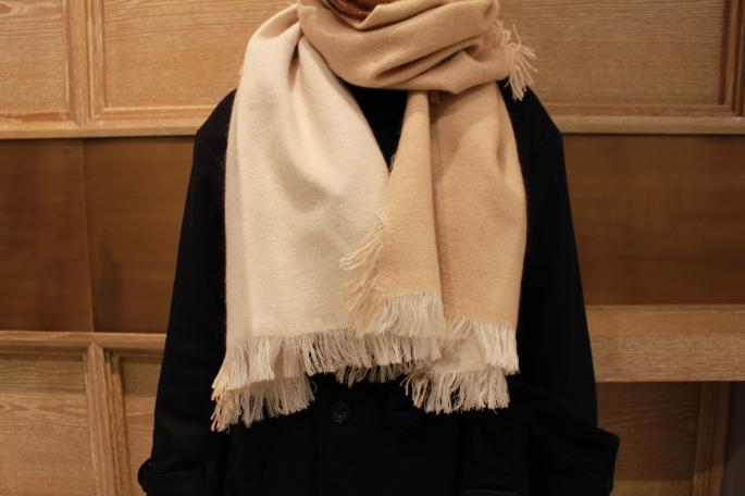 douce gloire<br /> ALIOS<br /> SIZE / F<br /> COLOR / Navy/Gray , Ivory/Beige<br /> Made In France<br /> PRICE / 35,000+tax<br />