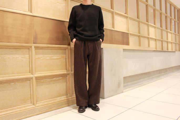 HIGHT / 177cm<br /> WEAR SIZE / M<br /> <br /> COMOLI<br /> Hand Crew Neck Knit<br /> COLOR / Green,Black<br /> SIZE / 1,2<br /> Made In Japan<br /> PRICE / 50,000+tax<br /> <br /> Phlannel <br /> Mix Wool Tweed Wide Trousers<br /> COLOR / Brown,Black<br /> SIZE / S,M,L<br /> Made In Japan<br /> PRICE / 38,000+tax<br /> <br /> Paraboot<br /> Photon<br /> COLOR / Noir<br /> SIZE / 6,6.5,7,7.5<br /> Made In France<br /> PRICE / 58,000+tax