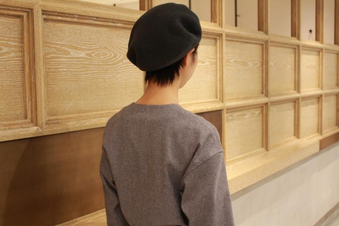 KIJIMA TAKAYUKI<br /> Wool Beret<br /> COLOR / Green,L.Gray,Camel<br /> SIZE / Free<br /> Made in Japan<br /> PRICE / 8,000+tax