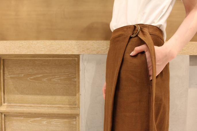 HIGHT / 164cm<br /> WEAR SIZE / 0<br /> <br /> Phlannel<br /> Li/Co Herringbone Wraparound Skirt<br /> COLOR / Walnut,Ecru<br /> SIZE / 0,1<br /> PRICE / 33,000+tax<br /> <br /> Suvin Cotton Pocket T-shirt<br /> COLOR / White,Navy,Black<br /> SIZE / 0,1,2<br /> PRICE / 8,500+tax<br /> <br /> Made In Japan<br /> <br /> VINTAGE<br /> Italy Navy Made by SPERGA(Dead Stock)<br /> COLOR / Navy<br /> SIZE / 39<br /> PRICE / 7,500+tax