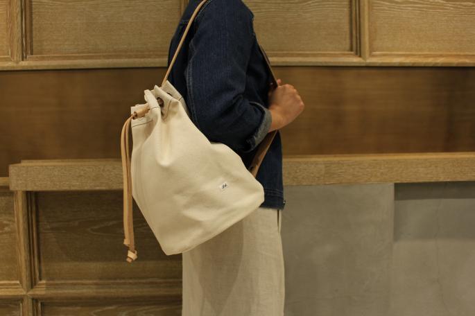 HIGHT / 166cm<br /> WEAR SIZE / 0<br /> <br /> UTO×Phlannel<br /> White Canvas Duffle Bag<br /> COLOR / Ecru<br /> SIZE / Small<br /> Made In Japan<br /> PRICE / 28,000+tax<br /> <br /> SOSO PHLANNEL<br /> Selvage Denim Jacket<br /> COLOR / Indigo<br /> SIZE / 34,36<br /> Made In Japan<br /> PRICE / 32,000+tax<br /> <br /> Phlannel<br /> Li/Co Herringbone Wraparound Skirt <br /> COLOR / Ecru,Walnut<br /> SIZE / 0,1<br /> Made In Japan<br /> PRICE / 33,000+tax