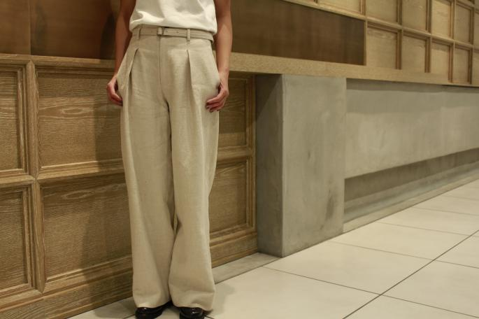 HIGHT / 166cm<br /> WEAR SIZE / 0<br /> <br /> Phlannel<br /> Li/Co Herringbone Wide Trousers<br /> COLOR / Ecru,Walnut<br /> SIZE / 0,1<br /> Made In Japan<br /> PRICE / 36,000+tax<br /> <br /> Paraboot<br /> Chambord<br /> COLOR / Gloss-Noir<br /> SIZE / 3,3.5,4,4.5<br /> Made In France<br /> PRICE / 63,000+tax