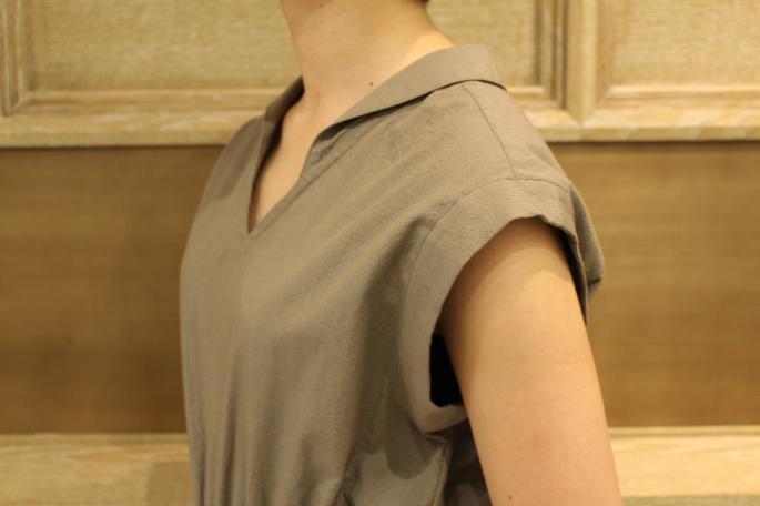 HIGHT / 166cm<br /> WEAR SIZE / 0<br /> <br /> Phlannel<br /> Co/Si Seersucker All In One Dress<br /> COLOR / Khaki, Navy<br /> SIZE / 0,1<br /> PRICE / 48,000+tax<br /> <br /> Ra/Co/Si V-neck Short Cardigan<br /> COLOR / Beige,Navy<br /> SIZE / 0,1<br /> PRICE / 28,000+tax<br /> <br /> Ra/Co/Si Knitting Scarf <br /> COLOR / Navy,White,Beige<br /> SIZE / Free<br /> PRICE / 10,000+tax<br /> <br /> Made In Japan