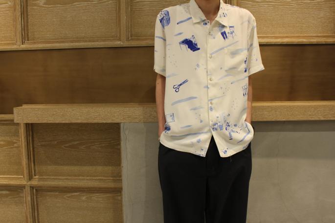 HIGHT / 169cm<br /> WEAR SIZE / 2<br /> <br /> Porter Classic<br /> Aloha Shirt<br /> COLOR / White<br /> SIZE / M,L<br /> PRICE / 32,000+tax<br /> <br /> Dot Wide Pants<br /> COLOR /Blue, Black<br /> SIZE / S,M<br /> PRICE / 30,000+tax<br /> <br /> forme <br /> Barmoral Straight Tip<br /> COLOR / Black<br /> SIZE / 5,5h,6,6h<br /> PRICE / 66,000+tax<br /> <br /> Made In Japan<br />