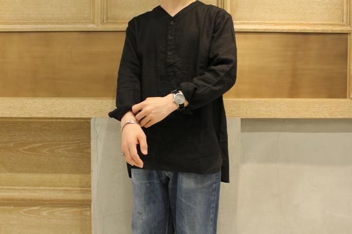 HIGHT / 164cm<br /> WEAR SIZE / 2<br /> <br /> GARMENT REPRODUCTION OF WORKERS <br /> Henry Neck Shirts<br /> COLOR / Black,L.gray<br /> SIZE / 0,1,2,3,4<br /> Made In Japan<br /> PRICE / 26,000+tax<br /> <br /> VINTAGE<br /> LEVI'S 501 XX <br /> SIZE / W33,L30<br /> Made In USA<br /> PRICE / 178,000+tax<br /> <br /> DIMISSIANOS&MILLER<br /> MIA FASA<br /> COLOR / Black,Natural<br /> SIZE / 41,42,43<br /> Made In Greece<br /> PRICE / 39,000+tax