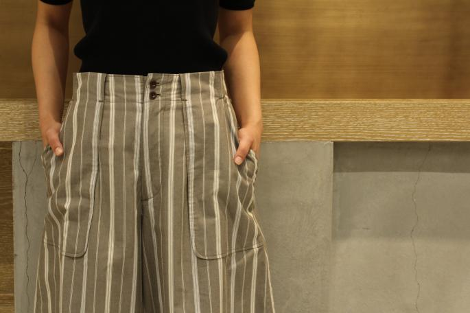 HIGHT / 166cm<br /> WEAR SIZE / 0<br /> <br /> Phlannel<br /> Pillow Stripe Super Wide Utility Trousers <br /> COLOR / Khaki,White<br /> SIZE / 0,1<br /> PRICE / 29,000+tax<br /> <br /> AURALEE<br /> Highgauge Rib Knit Tee<br /> COLOR / Black,White,Light Pink,Brown×White<br /> SIZE / 1<br /> PRICE / 19,000+tax<br /> <br /> Made In Japan<br /> <br /> dragon<br /> Pompom Double <br /> COLOR / Tan,Black<br /> SIZE / Free<br /> Made In India<br /> PRICE / 26,000+tax<br /> <br /> DIMISSIANOS&MILLER <br /> TAF<br /> COLOR / Natural,Black <br /> SIZE / 35,36,37<br /> Made In Greece<br /> PRICE / 36,000+tax