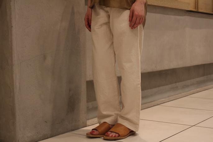 HEIGHT / 164cm<br /> WEAR SIZE / 1<br /> <br /> COMOLI<br /> Silk Skipper Short Sleeve Shirt<br /> COLOR / Khaki,Navy<br /> SIZE / 1<br /> Made In Japan<br /> PRICE / 25,000+tax<br /> <br /> OUTIL<br /> Pantalon Mets<br /> COLOR / Ecru,Beige<br /> SIZE / 0<br /> Made In France<br /> PRICE / 20,000+tax<br /> <br /> ANTHONY PETO<br /> Panama Crochet<br /> COLOR / Natural<br /> SIZE / 56,58<br /> Made In France<br /> PRICE / 22,000+tax<br /> <br /> DIMISSIANOS&MILEER<br /> MIA FASA<br /> COLOR / Natural,Black<br /> SIZE / 35,36,37<br /> PRICE / 36,000+tax