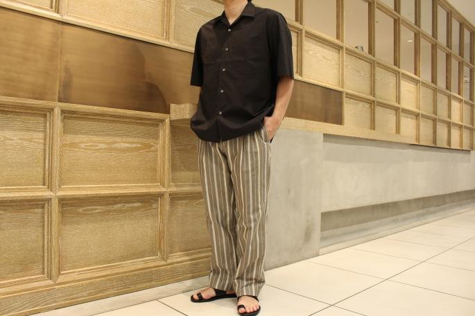 HIGHT / 168cm<br /> WEAR SIZE / 4<br /> <br /> AURALEE<br /> Selvedge Weather Cloth Open Collared Half Sleeved Shirts<br /> COLOR / White,Gray Stripe,Ink Black<br /> SIZE / 3,4<br /> PRICE / 20,000+tax <br /> <br /> Phlannel<br /> Pillow Stripe Two Tuck Trousers<br /> COLOR / White,Khaki<br /> SIZE / S,M,L<br /> PRICE / 29,000+tax<br /> <br /> Made In Japan<br />