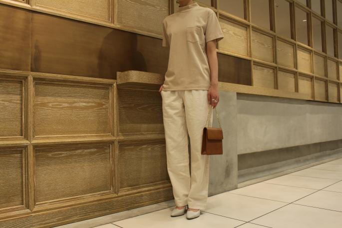HEIGHT / 165cm<br />
