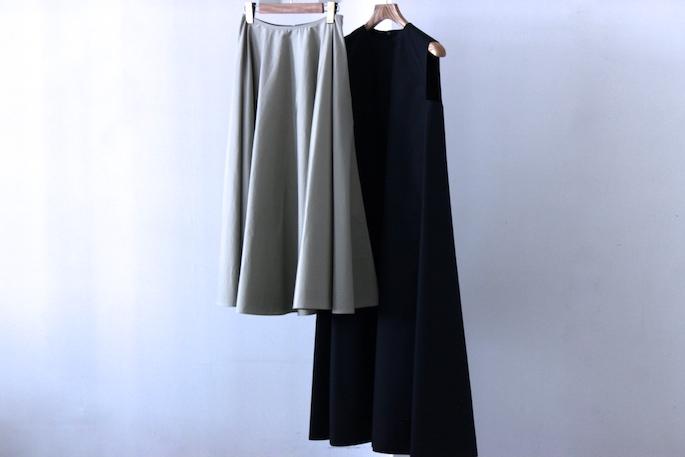 YLÈVE×BLOOM&BRANCH<br /> A-line Dress / 44,000+tax<br /> Circular Skirt / 42,000+tax